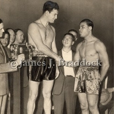 Comiskey Park Chicago June 21 1937, James J. Braddock - Joe Louis weigh-in.